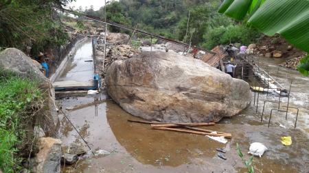 A mini-hydro being contructed at Mandaramnuwara